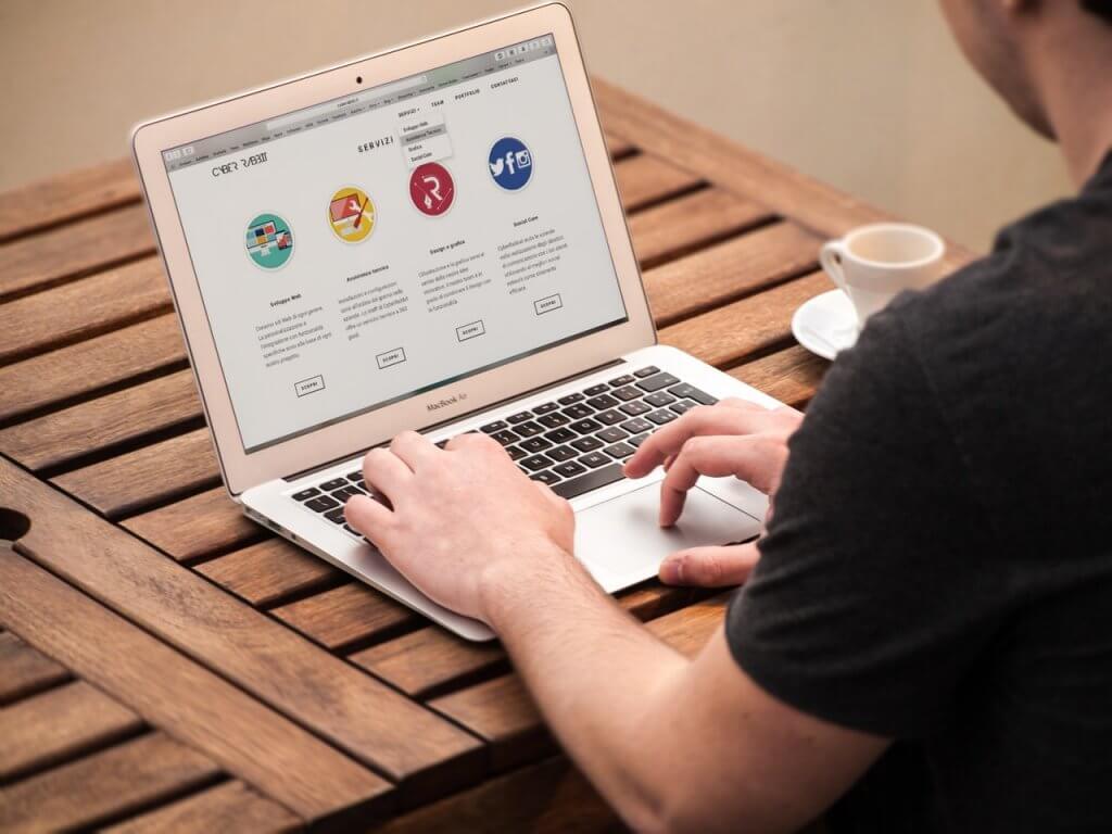 Createur De Site Internet quel logiciel pour un créateur de site internet ? - blog sur